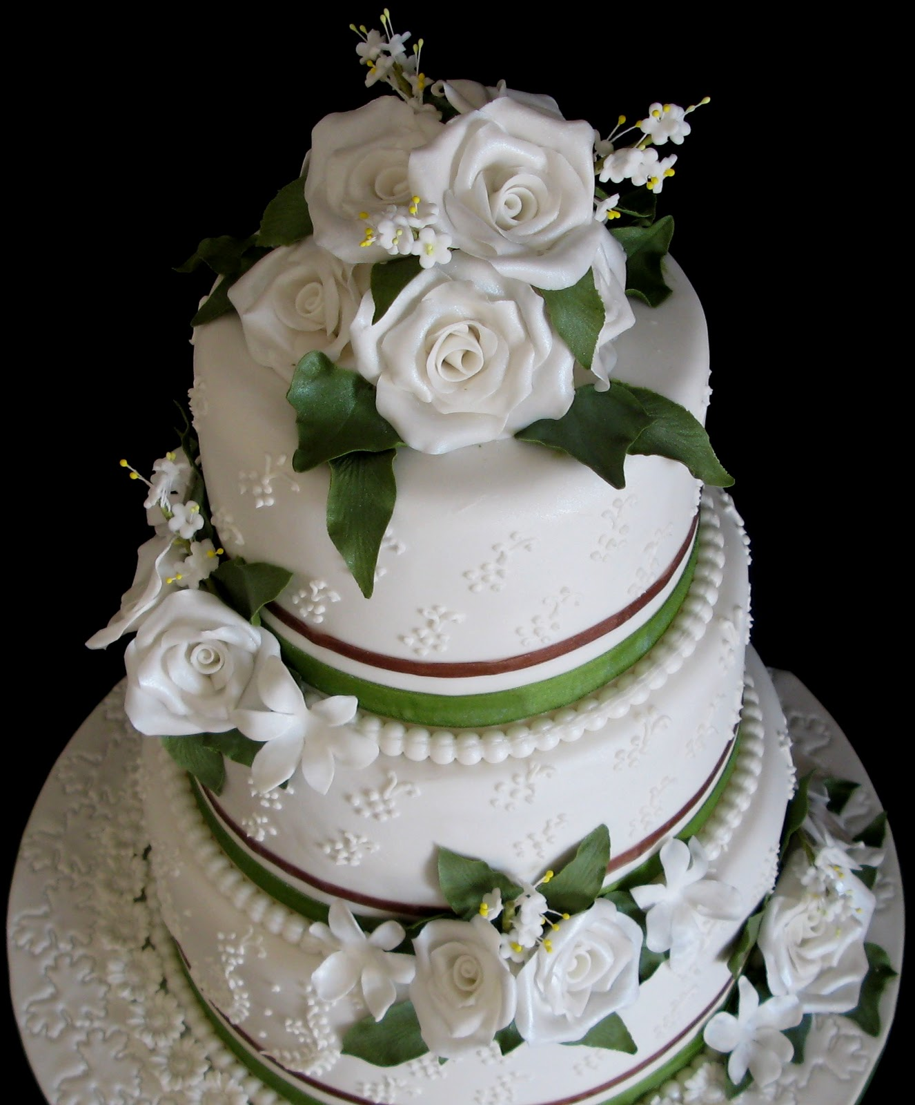 three tier wedding cakes with roses sugarcraft by soni three tier wedding cake roses and leaves 20951