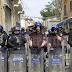 LIVE: Παρατεταγμένα πάνοπλα μέλη της Αστυνομίας στο οδόφραγμα της Λήδρας-Αυξημένη δύναμη και των Ηνωμένων Εθνών