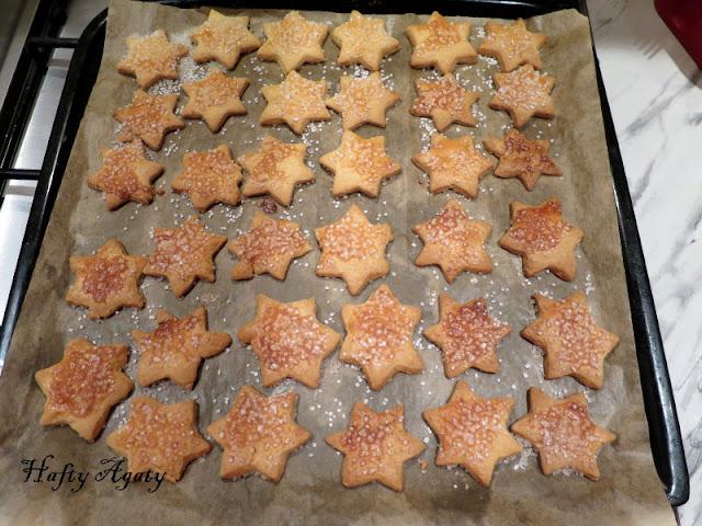 Kruche świąteczne gwiazdki