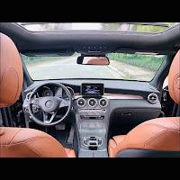 Mercedes GLC 300 4MATIC 2018 đã qua sử dụng nội thất Nâu