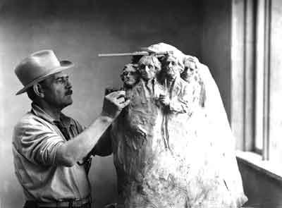 Monte Rushmore Memorial Nacional Ex-presidentes Borglum trabajando en los primeros modelos