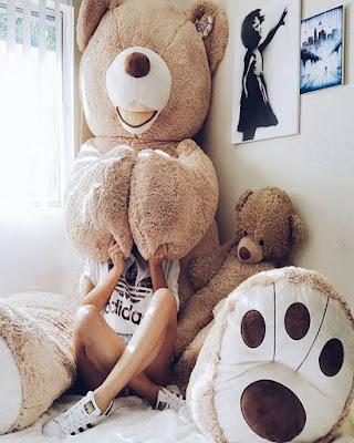 Fotos tumblr jugando con oso de peluche grande