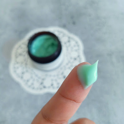 swatch of Good Vibes Green Tea Revitalizing Face Cream