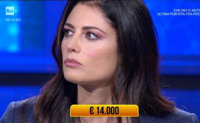 Daniela Ferolla viso primo piano bellezza donna
