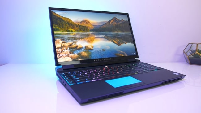 Alienware Area-51m is the most powerful gaming laptop with a very impressive display for professional gamers. It has Intel Core i9 CPU and NVIDIA's GeForce RTX 2080 GDDR6 GPU with 64GB of DDR4 RAM. The multitasking is at another level in this gaming laptop.