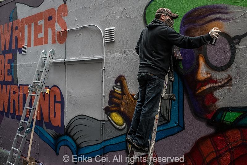 icon walk graffiti Dublin Joyce Bloomsday