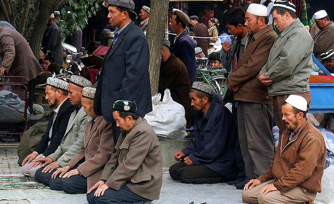 """الصين.. اعتقال 10 أشخاص بتهمة """"الصلاة""""!"""