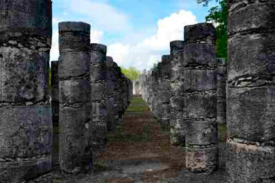Temple of a Thousand Warriors Chitchen Itza