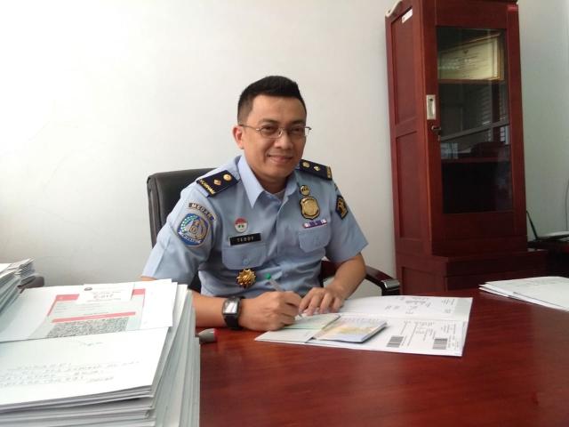 Kepala Seksi Teknologi Informasi Keimigrasian/ Pengawas Unit Layanan Paspor (ULP) Imigrasi Kualanamu Teddy Kuantano
