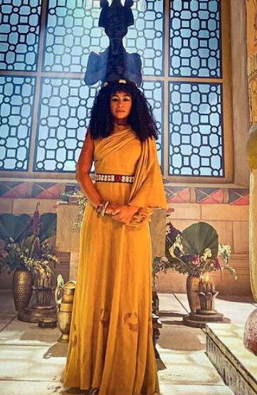 Vestido egipcia cor amarelo