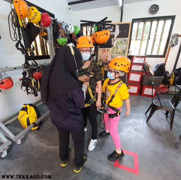 Zipline Penang Hill Wearing Gear Helmet Safety