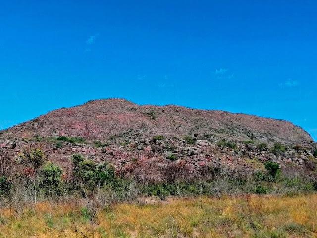 Pico da Mutuca visto dos Gerais dos Cristais.  (Foto: Orlandinho Barros)