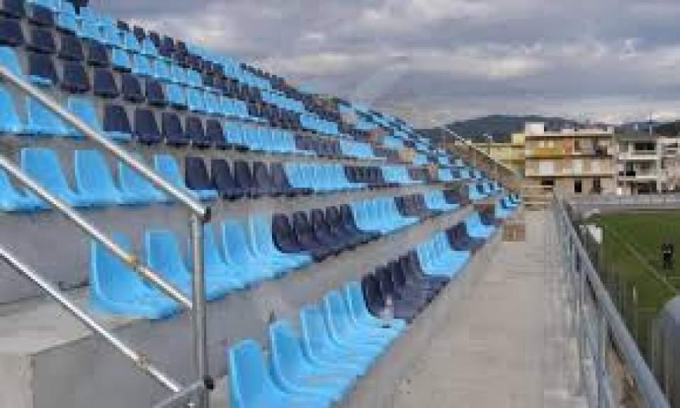 Νέα κερκίδα 160 θέσεων αποκτά το γήπεδο Στεφανοβικείου
