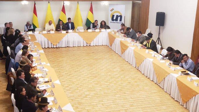 La reunión de UN que anticipa su participación en los comicios del 3 de mayo / TWITTER UN