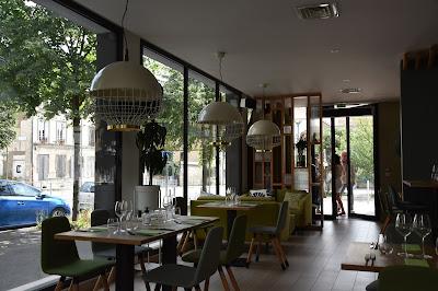 Intérieur restaurant Baan Nat (Arcueil), blog Délices à Paris.