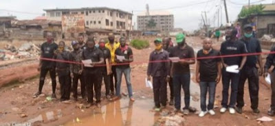 IPOB Members Mock Government, Commission Bad Road In Anambra (Pictures)