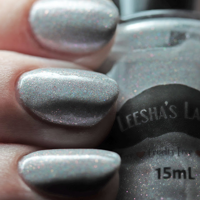 Leesha's Lacquer La Resistencia