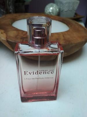 parfumovaná voda Yves Rocher Comme Une Evidene Intense
