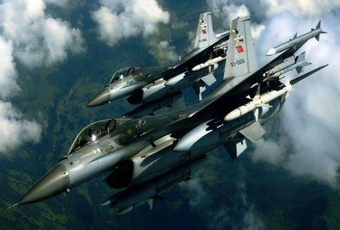 Σοκ! Πρόβα πολέμου οι νυχτερινές πτήσεις της Τουρκίας στα ελληνικά νησιά