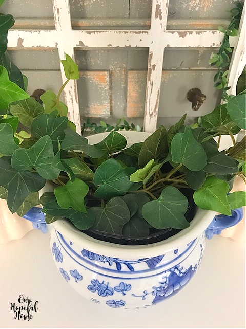 blue white porcelain cache pot ivy leaves