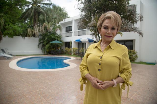 Directora del hotel Holly, Olivia Guzmán Durán
