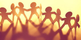 Silaturahmi sebaiknya dijadikan sebagai ajang untuk mengerjakan hal-hal positif agar bisa mendapatkan keutamaan dan maslahatnya. Sebagai perbuatan positif yang dapat mempererat tali kekeluargaan ini ada kalanya sering keceplosan entah basa-basi atau apa, ada saja terdapat kata-kata yang dapat menyakitkan hati seseorang di saat bersilaturahmi.