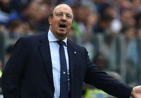 HLV Benitez đã 4 lần gặp lại đội bóng cũ