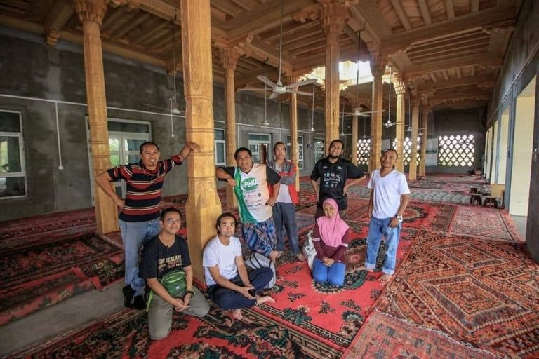 Jalan Cerita Turis yang Ditangkap Gara-gara Sholat di Masjid Uighur