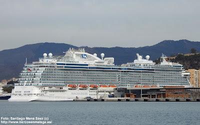 Crucero Sky Princess atracado en Málaga