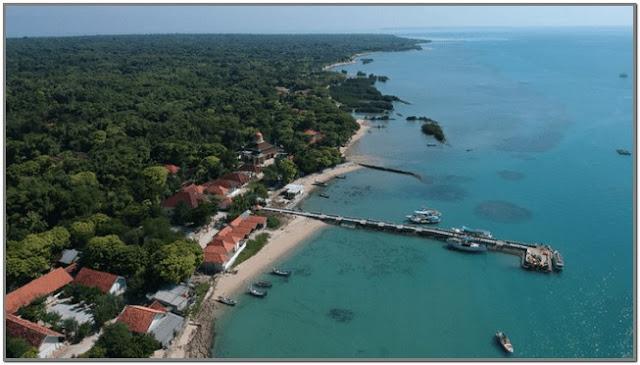 Pantai 9;10 Destinasi Wisata Populer di Madura;