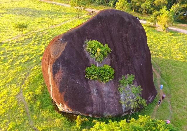 piedra gigante del indio apolinar desde el aire
