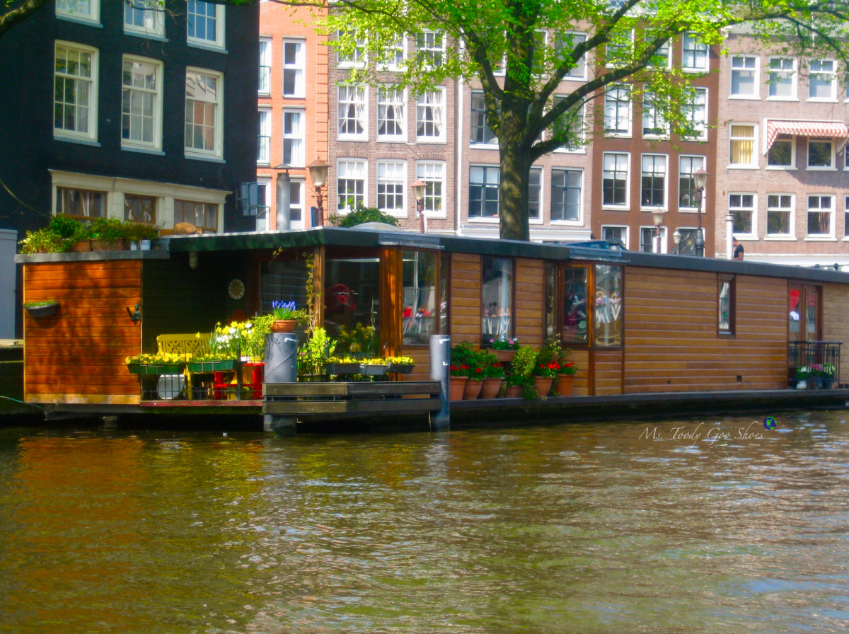 Houseboat Living In Amsterdam | Ms. Toody Goo Shoes