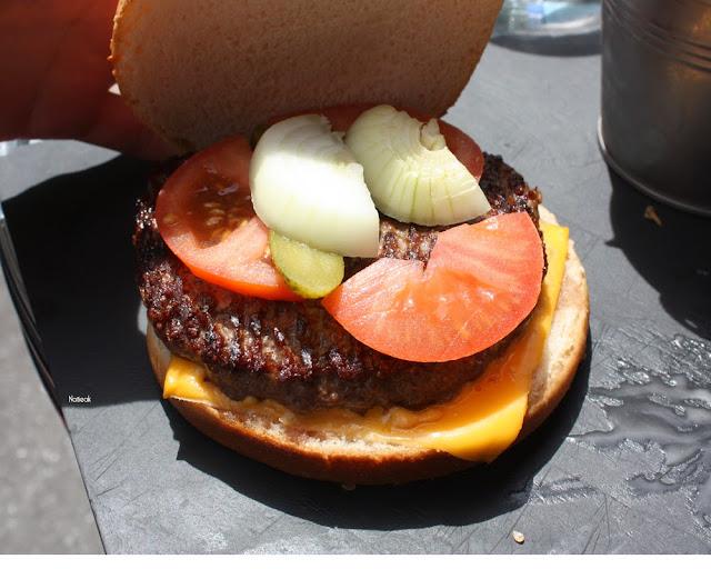 burger du Galopin avec sauce bleu