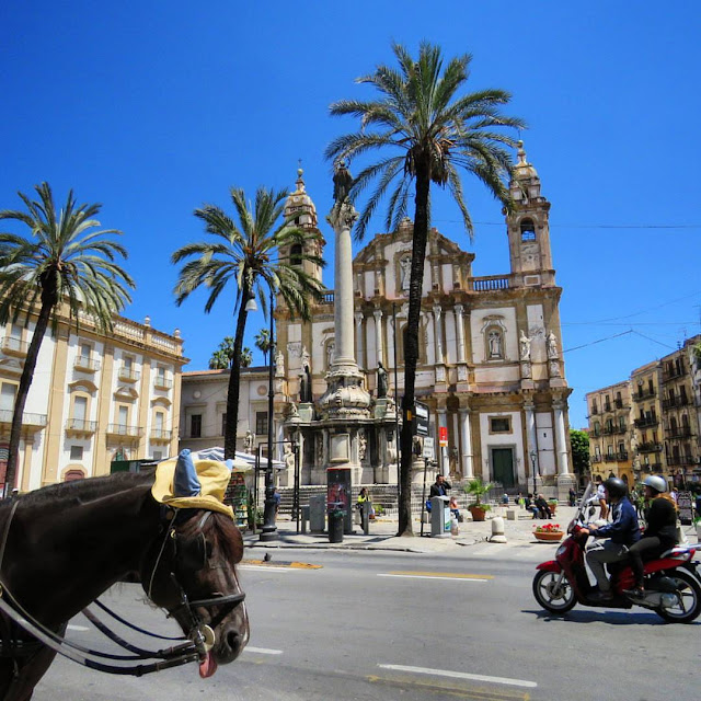 Road trip in Sicily - Horse and scooter in Palermo