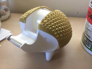 Hedgehog tape holder