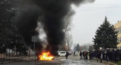 Мешканці Каховки протестували проти вбивства місцевого жителя поліціянтом