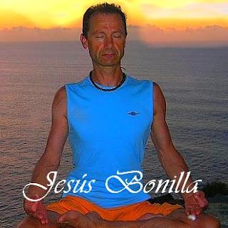 Despertar Kundalini con yoga.