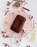 https://lachocolaterapia.blogspot.com/2021/02/bizcocho-de-chocolate-blanco-y-pistachos.html