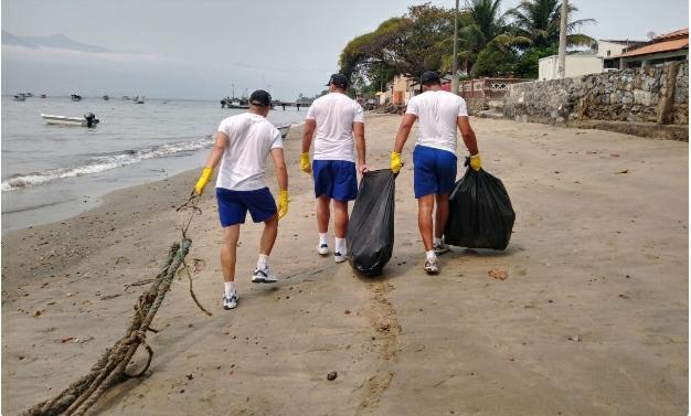 Marinha recolhe quase 200 kg de lixo em praias de São Sebastião, Caraguá e Ilhabela