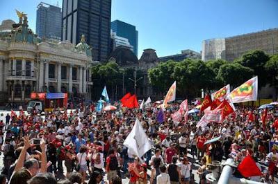 Centrais sindicais ameaçam greve de 2 dias e 'invasão' de Brasília