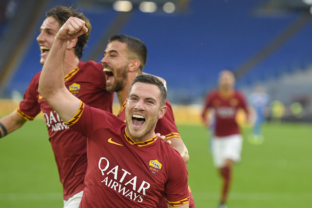 ديربي الشمس روما يفوز على نابولي 2-1 في الدوري الإيطالي