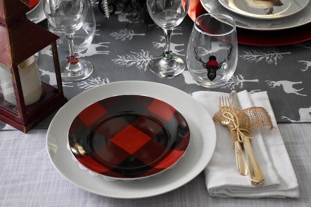 Easy Christmas Table Decor Ideas