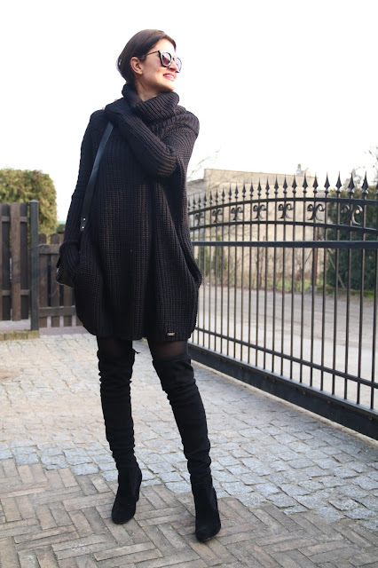 street style, winter fashion, winter style, total black, oversize, sweter oversize,