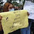 Aksi Tulisan Nyeleneh Di Demo Tolak Ownibus Law Cipta Kerja Depan Gedung DPRD Cianjur