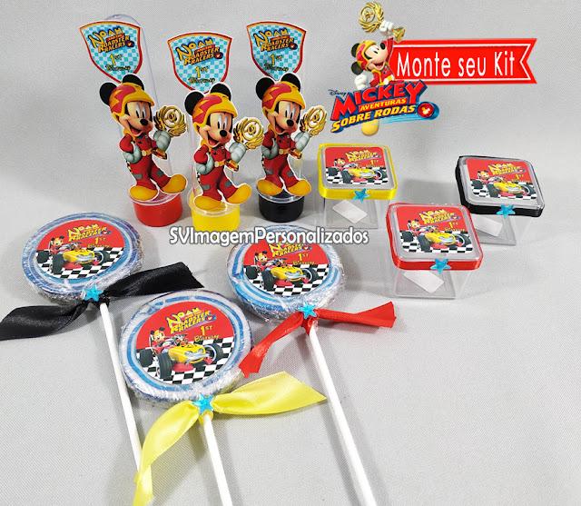 Aqui você encontra o preço mais barato para monte seu kit festa personalizado  Aproveite a promoção e  você pode escolher: *tubete / Tubete 3d A/ latinha / marmitinha / caixa de acrílico 4x4 cm / garrafinha de coca / garrafinha de 50 ml / pirulito psicodélico 6 cm / mamadeira, No tema Mickey Aventuras sobre Rodas, a festa será um sucesso com Mickey e sua turma, em emocionantes aventuras de corridas formula1, um tema muito colorido, com bandeira quadriculada é uma ótima dica para festa de menino