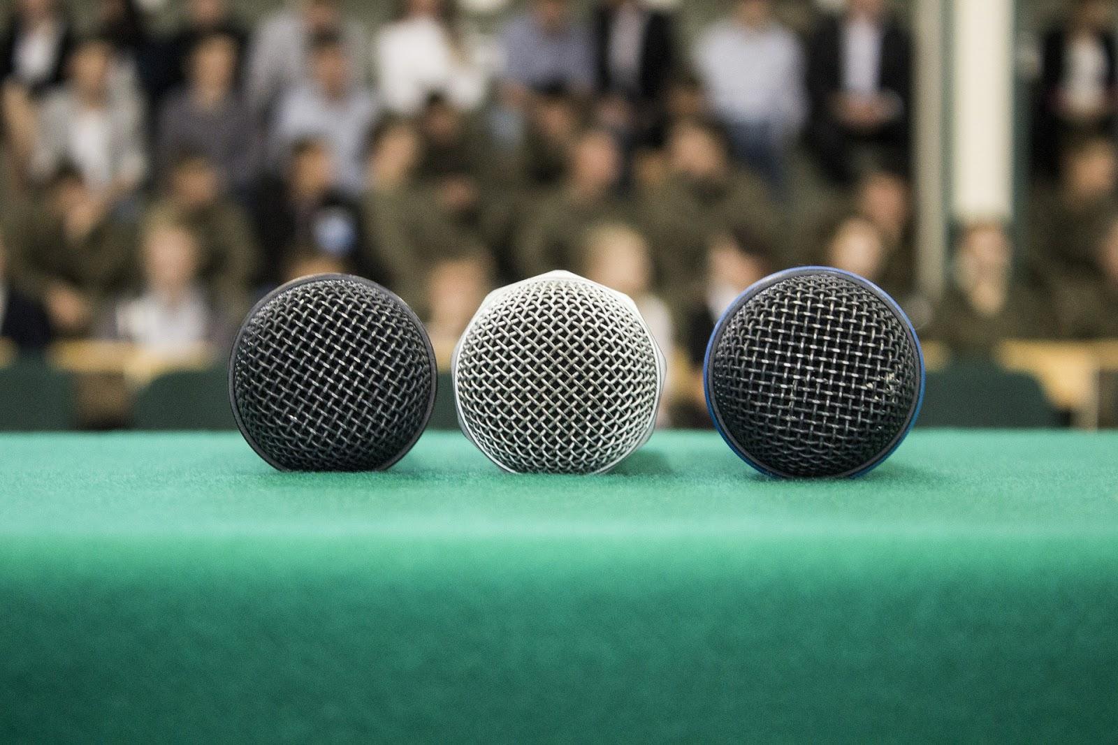 Jak przygotować konferencję prasową