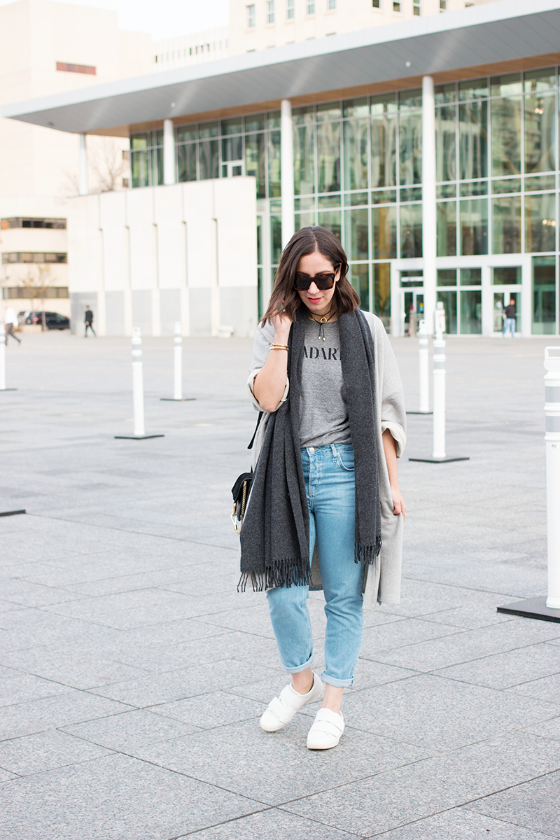 Oversized sweatshirt cardigan