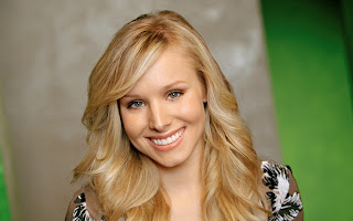 Kristen bell cute smile actress of english movie