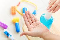 Hướng dẫn tự làm nước rửa tay khô chống virus corona theo hướng dẫn của WHO