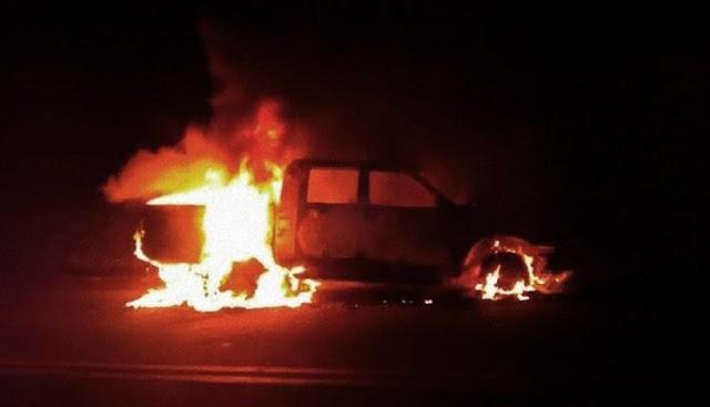 Camionete tomba com 1 tonelada de maconha, pega fogo e traficantes são presos pedindo ajuda